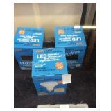 1 LOT OPTOLIGHT LED BULBS (DISPLAY)