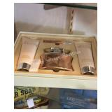 1 LOT TROVOGUE IN LOVE GIFT SET (DISPLAY)