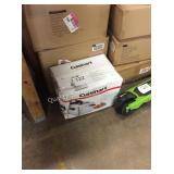 1 LOT CUISINART DEEP FRYER