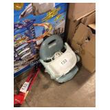 1 LOT CHICCO BABY SEAT