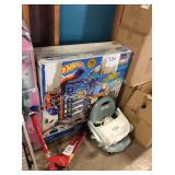 1 LOT HOT WHEELS SUPER GARAGE