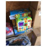 1 LOT 2 V TECH ALPHABET ACTIVITY CUBE