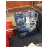 1 LOT ORAL B RECHARGEABLE TOOTHBRUSH (DISPLAY)