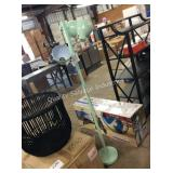 1 LOT FLOOR LAMP