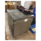 1 LOT COMMERCIAL REFRIGERATOR