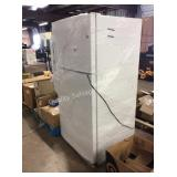 1 LOT GE WHITE REFRIGERATOR