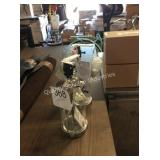 1 LOT 2 LAMP BASE