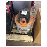 1 LOT 2 WET/DRY VACUUMS