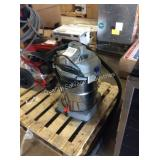 1 LOT 12 GAL SHOP VAC