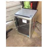 1 LOT REFRIGERATED DRINK COOLER