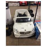 1 LOT MERCEDES RIDE ON