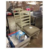 1 LOT 2 DINING CHAIRS