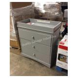 1 LOT BABY CHANGING TABLE