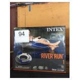 1 CTN INTEX RIVER RUN FLOAT