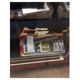 1 LOT ENERGIZER DOUBLE AA BATTERIES (DISPLAY)