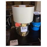 1 LOT DECORATIVE TABLE LAMP