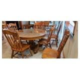Antique quarter sawn oak table & 6 chairs