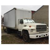 Ford Box Truck w/ Lift