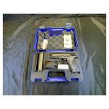 Smith & Wesson Model M&P, .40 S&W. Pistol