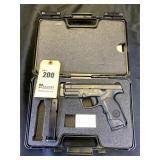 Steyr S&W Semi-Auto Pistol, .40 S&W