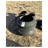 2 Tire Mineral Feeders - No Bottoms
