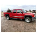 2003 Chevy 2500 HD Ext. Cab Pickup
