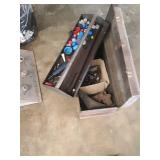 Box of trailer shackles