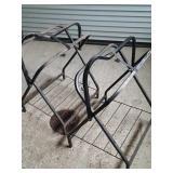 2 metal saddle racks