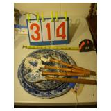 Flow Blue - 7 Piece Set - 1 Cake Plate, 2 Serving