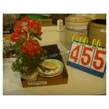 Glass Plant and 4 Plates - Mixed Lot