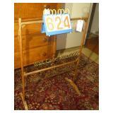 "Double Quilt Rack - Antique Mahogany - 28""x40"""