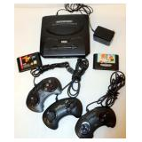 Sega Genesis System Console w Controls Games