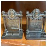 SHAKESPEARE AND DICKENS BOOKENDS