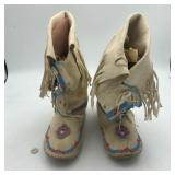 NATIVE AMERICAN MOCCASIN BOOTS