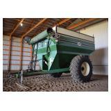 Harvest Equipment - Grain Carts  J&M 525 11291905