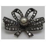 JEWELRY. Antique Diamond and Pearl Bow Form Brooch