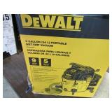 Used Dewalt 9Gal Wet/Dry Vac Turns On