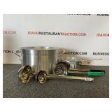 Aluminum Pots 1qt & 8qt With Utensils & Lids