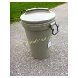 Rubbermaid Garbage Canister