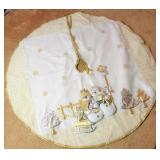 Applied White & Gold Tone Tree Skirt