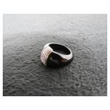 Unmarked White Gold Onyx Dome Band Ring-
