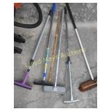 Brushes / Squeegees / Brooms / etc