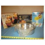 4pc NEW Bake Ware / Cookie Machine