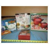 4pc - Pasta Pot & Kitchen Gadgets NOS