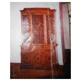 Lighted Display Cabinet / Upright Hutch