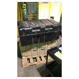 Black handdigg storage container