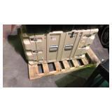 Beige handdigg storage container