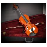 New Madera 4/4 Violin Package w/ Case, Rosin, Bow