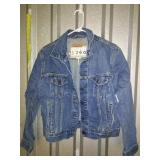 VERY CLEAN Levis Denim Jacket - Size L