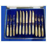 Boxed Set of 6 Forks & 6 Knives